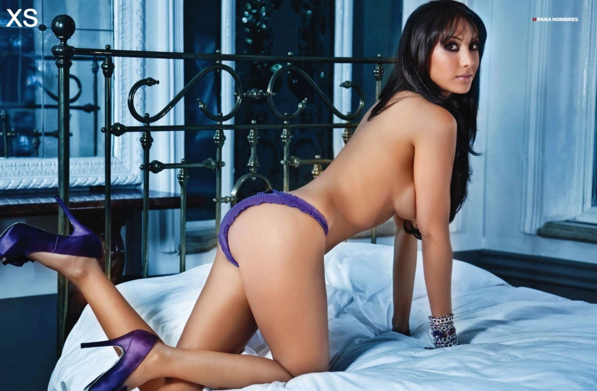 Cynthia Urias desnuda